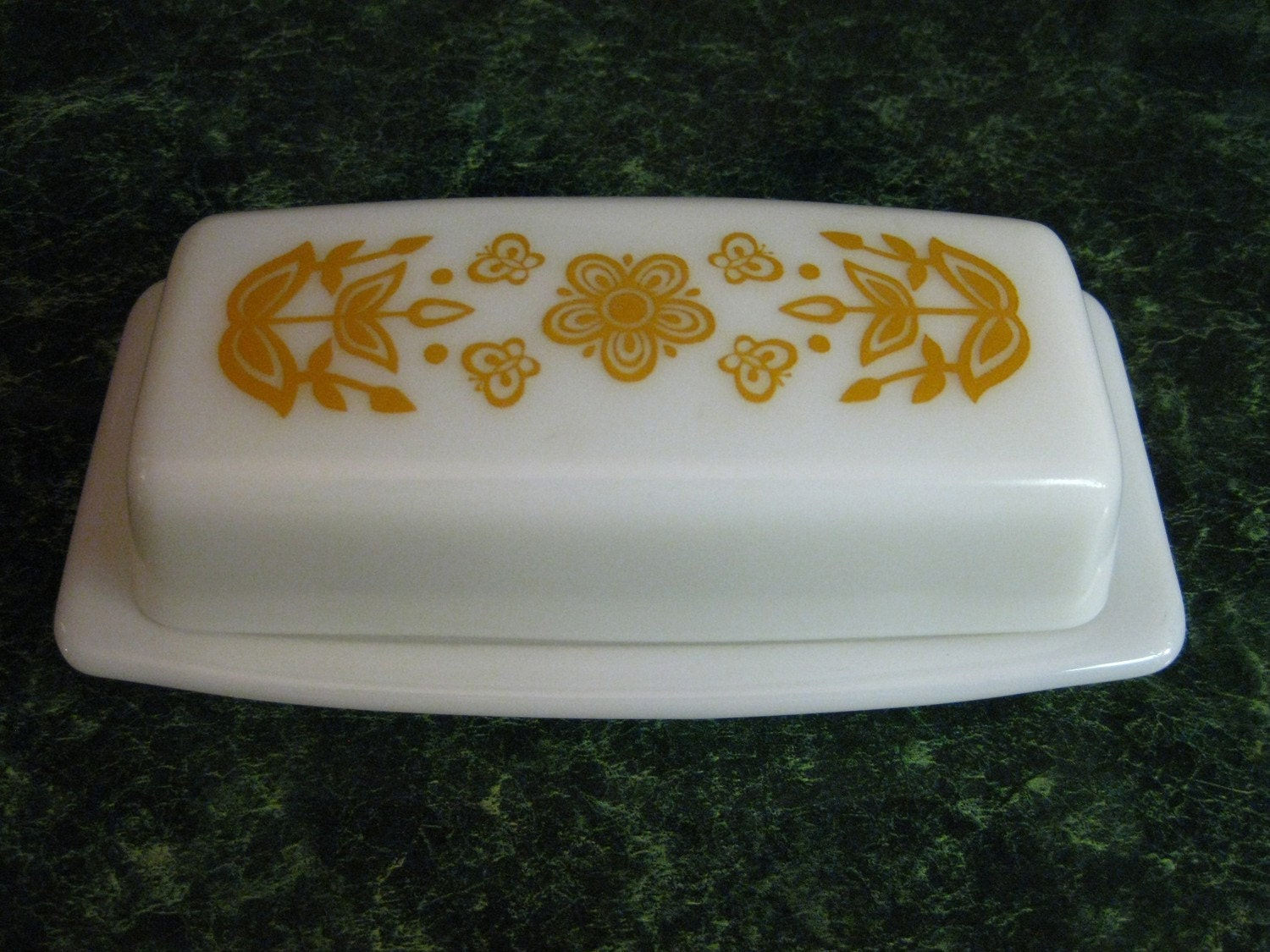 Vintage Pyrex Butterfly Gold Pattern Butter Dish With Lid