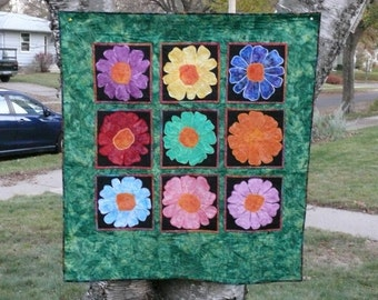 Zinnia fabric art quilt wall hanging