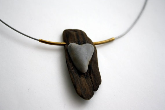 Driftwood with stone heart necklace...with a natural heart-shaped pebble from mediterranian beaches...