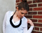 the little Laurel chunky crochet necklace in navy blue