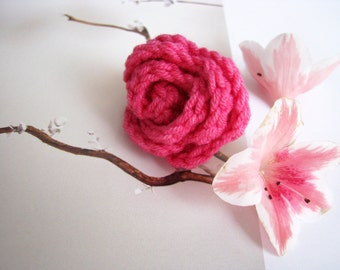Crochet Flower Rose Ring in Hot Pink