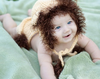 Lion Hat and Diaper  Cover Set
