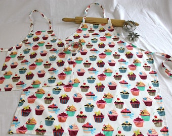 Retro White Cupcake Mother Daughter Aprons
