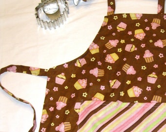 Mmmm Cupcakes Child Apron with Striped Pocket