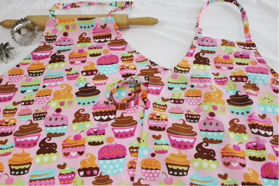 Pink Sweet Cupcakes Mother Daughter Aprons