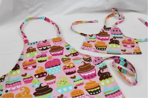 Sweet Cupcakes Doll and Child Matching Apron Set - pink