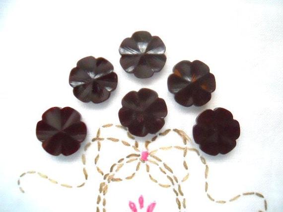 Brown Casein Flower Buttons
