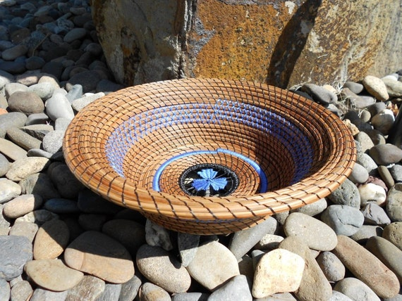 Cyan Blue Triple Leaf pine needle basket