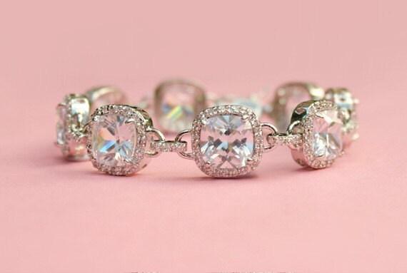 FREE SHIPPING - Vintage Inspired Wedding Bracelet