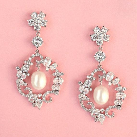 FREE SHIPPING - Pearl Dangle Wedding Earrings