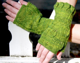 Quite Contrary Fingerless Mitts Knitting Pattern