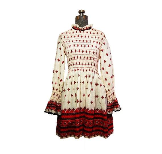 Vintage 1960s 60s Cotton Ethnic Print Smocked Mini Mod Hippie Bohemian Festival Dress Small