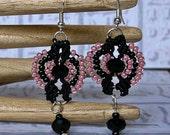Micro macrame earrings in pink and black. Gypsy earrings.