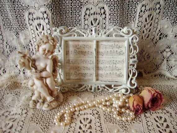 TREASURY ITEM Shabby and chic Romantic Victorian Metal Frame  Distressed, creamy white, double small
