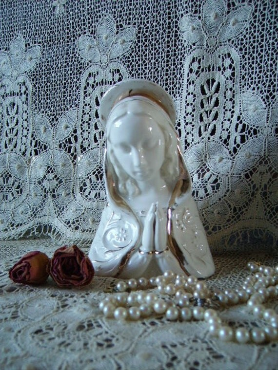 TREASURY ITEM White and Gold Blessed Mary in Prayer,  time worn, elegant, devotional