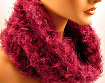 Cowl Fuzzy Scarf in Bordeaux/Pink