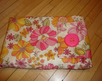 Kindle cover in a fun Pink Flower Print