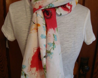 Scarf in Floral Pattern