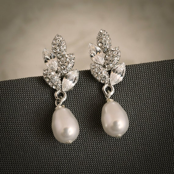 ASHTYN, Vintage Inspired Bridal Wedding Stud Earrings, Filigree Leaf Swarovski Crystal and Pearl Wedding Bridal Earrings, Art Deco Jewelry