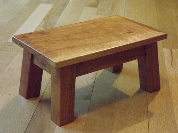 Rustic reclaimed wood stool solid by eastabrookstreeworks for Cherry wood step stool bedroom