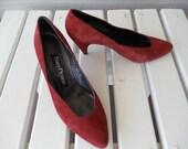 Suede Rust Dark Orange Pumps by Evan Picone - Retro Mod Style Fall Heels - Made in Spain - size 6.5