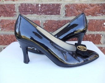 SALE Black Patent Leather Charles Jourdan Pumps with Gold Emblem & Suede Fringe Accent - Spool Heel - Size 8.5 - Spain