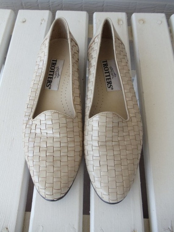 Beige Woven Leather Trotters Loafers - Casual Flats - Neutral - Resort - Nautical - Summer - Brazil - size 7.5 - Narrow