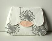 Luna Clutch grey dandelion and pink
