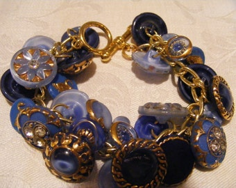 """Vintage 1950's Bracelet Button Bangles Vintage Re-design Upcycle Jewelry """"Moonies"""" Shades of Blues 28 Buttons 7"""" Length"""