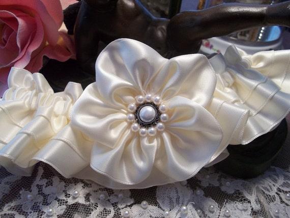 Ivory wedding Garter Set- All a Heart Desires Original Wedding Garter, 5 Petal Rose on a Tiered Band