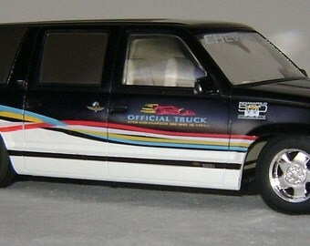 diecast  lowered   Indianapolis 500 Chevrolet Suburban pace truck