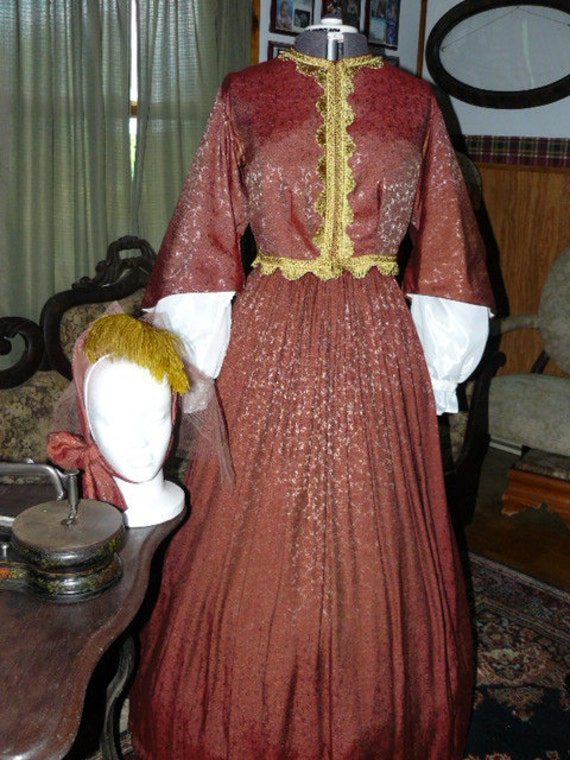 Civil War Ladies Visiting Dress, under sleeves  and French style bonnet