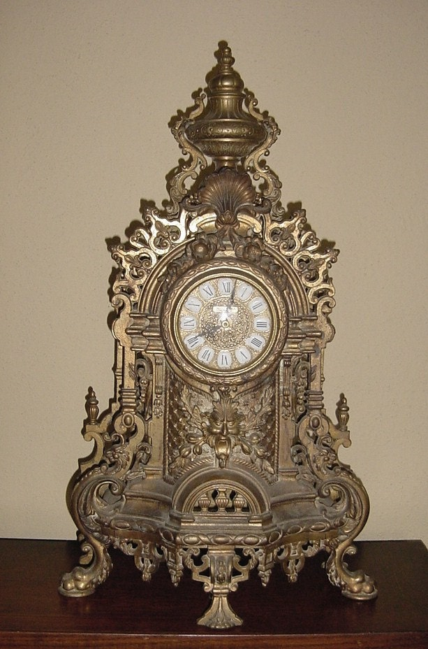 If We Only Knew Where This Italian Mantel Clock Was Reproduced
