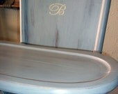 "Highchair Distressed Grey with a ""B"""