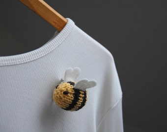 Bee Brooch, Bumble Bee Lapel Pin, Bee Broach, Bee Bridal Shower, Gift for Her, Mother's Day Gift, Bumble Bee Pin, Queen Bee Gift, Knit Bug