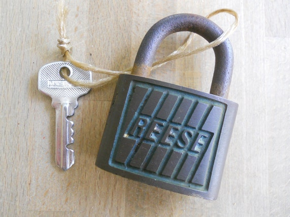 Vintage PAD LOCK with Key Reese Made In USA