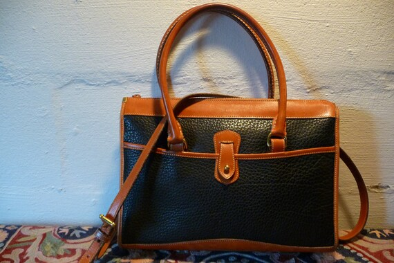 Dooney & Bourke Vintge Large Leather Satchel - Purse -  Handbag - Crossbody - doctor bag
