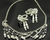 Unique And Exquisite Vintage Rhinestone Necklace And Earrings