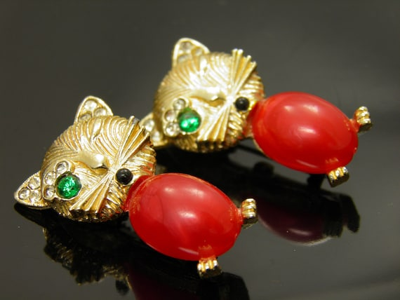 Set Of Two Rare Red Jelly Belly Winking Cat Pin Brooches