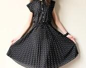 70s Secretary Dress - vintage black & white accordion pleated ascot dress, ruffled high neck, tiny geometric print, summer office fashion