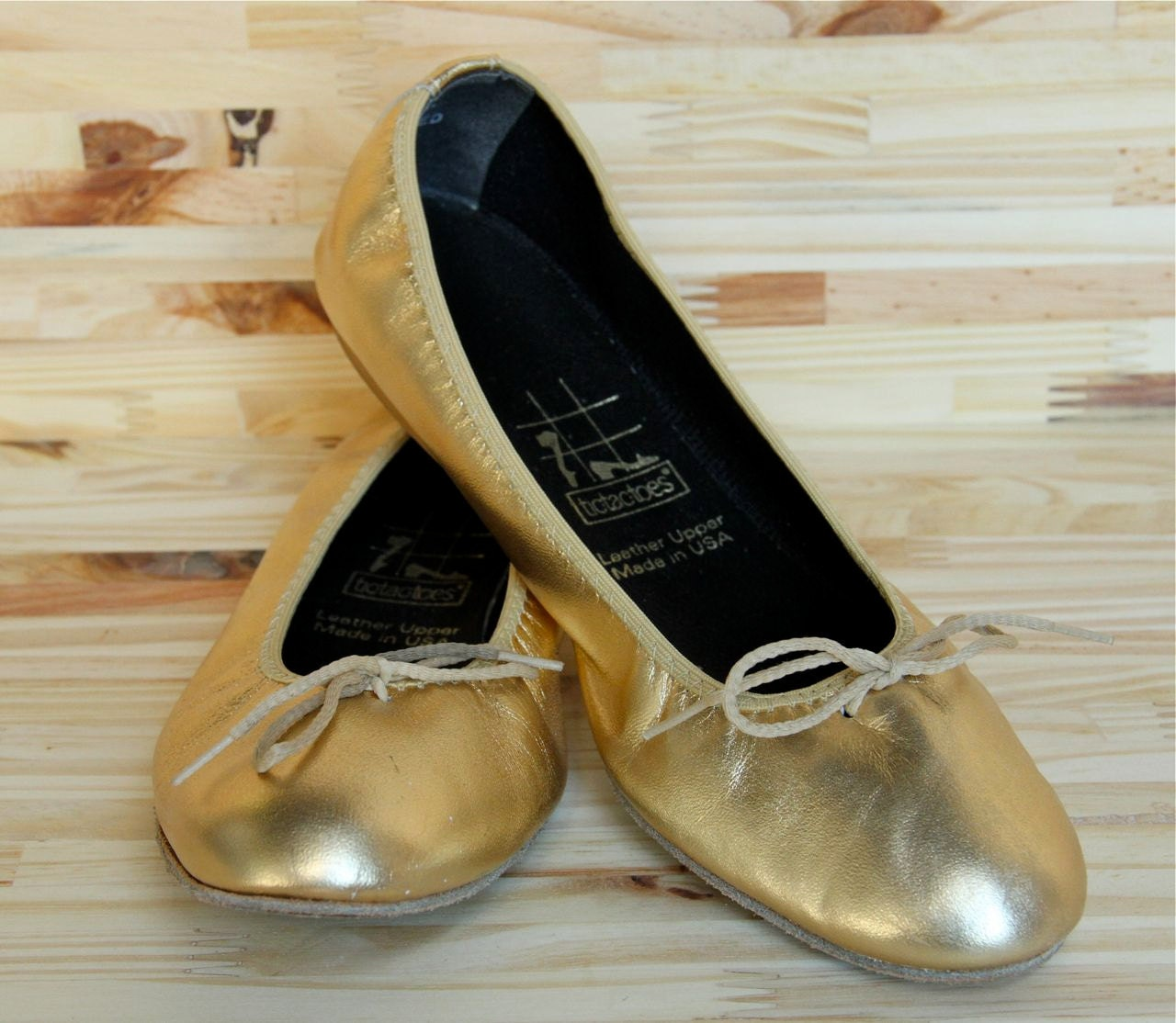 Free shipping on women's ballet flats at nichapie.ml Shop ballet flats for women from the best brands including Tory Burch, Sam Edelman, Valentino and more. Totally free shipping & returns.