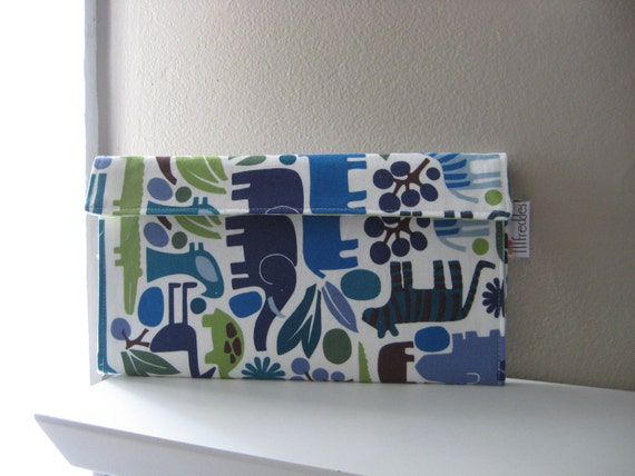 Diaper Clutch in 2D Zoo Blue