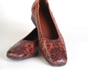 Vintage Size 8.5 Women's  brown leather woven flats