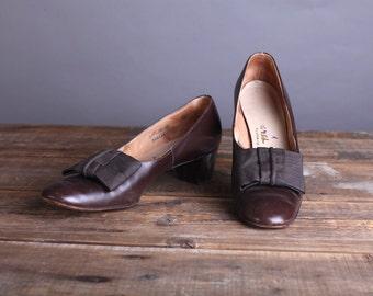 Vintage Size 9-10 Women's Brown Leather Pumps