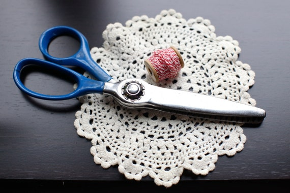 Vintage Blue handled pinking shears