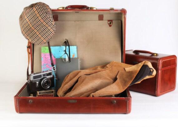 Large brown samsonite suitcase / display box