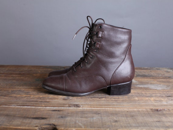 Size 6.5 Women's brown leather ankle boots, lace up granny boots