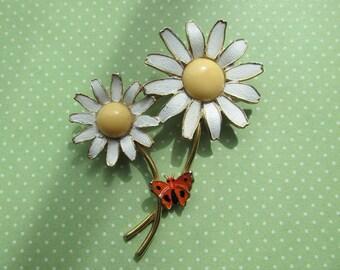 Vintage Daisy with Butterfly Enamel Brooch