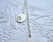 Tiny tree pendulum necklace