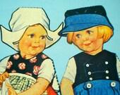 Twins Around the World: Vintage Paper Dolls - 1989